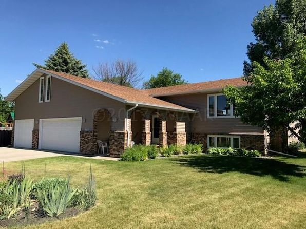 4 bed 2 bath Single Family at 2310 S Flickertail Dr S Fargo, ND, 58103 is for sale at 270k - 1 of 21