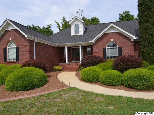 4 bed 3.5 bath Single Family at 710 Lake Vista Dr Rainbow City, AL, 35906 is for sale at 350k - 1 of 32