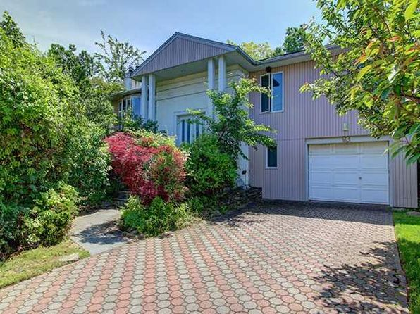 5 bed 3 bath Single Family at 93 Captains Rd Valley Stream, NY, 11581 is for sale at 838k - 1 of 25