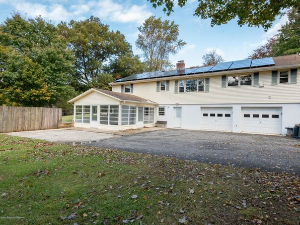 4 bed 3 bath Single Family at 76 Main St Holmdel, NJ, 07733 is for sale at 469k - 1 of 24