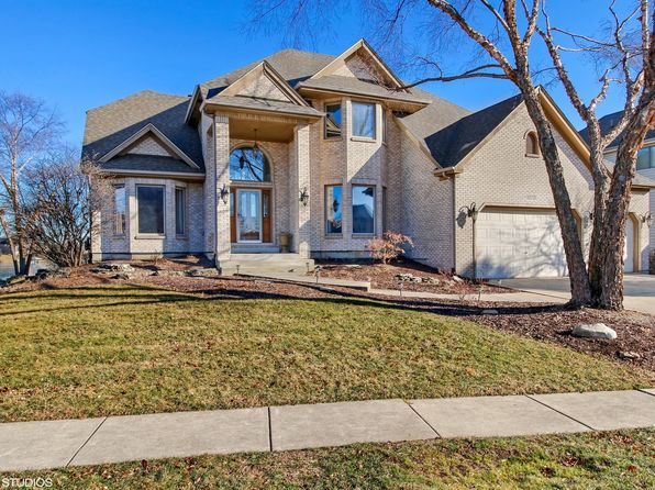 5 bed 4 bath Single Family at 13221 Lakepoint Dr Plainfield, IL, 60585 is for sale at 715k - 1 of 25