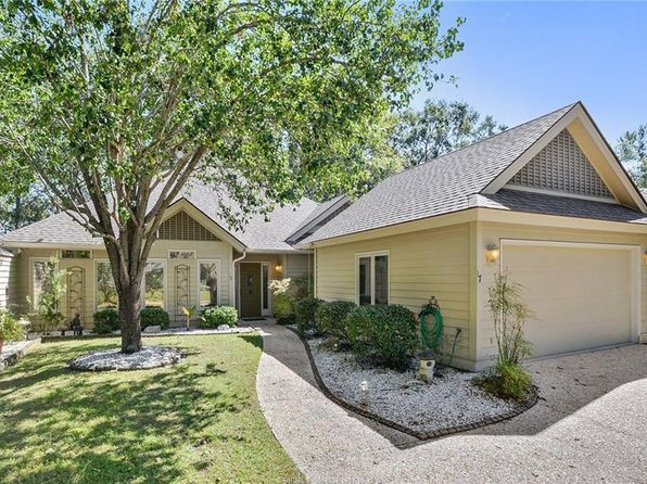 3 bed 2 bath Single Family at 17 COVENTRY CT BLUFFTON, SC, 29910 is for sale at 349k - 1 of 25