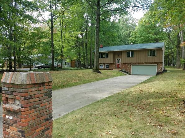 3 bed 2 bath Single Family at 3024 Rockefeller Rd Willoughby Hills, OH, 44092 is for sale at 158k - 1 of 31