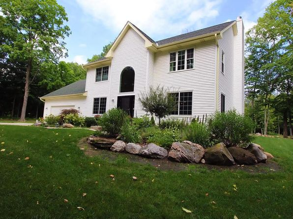 4 bed 4 bath Single Family at 1700 W Virginia Pl Oak Creek, WI, 53154 is for sale at 470k - 1 of 24