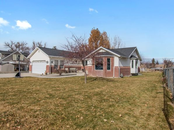 4 bed 3 bath Single Family at 266 W 300 S Manti, UT, 84642 is for sale at 265k - 1 of 28