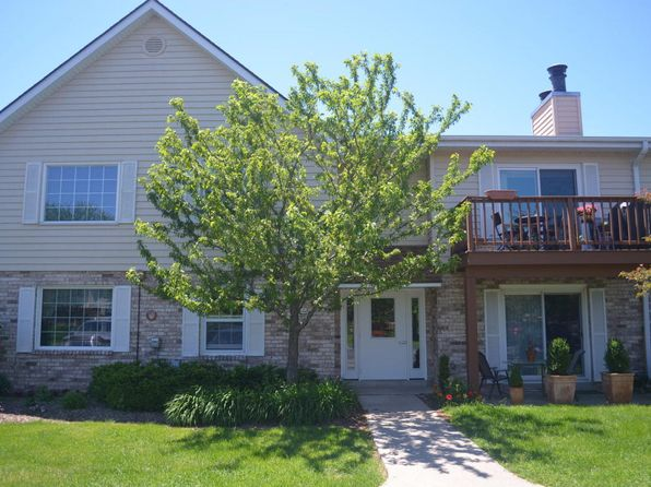 1 bed 1 bath Condo at 10625 N Ivy Ct Mequon, WI, 53092 is for sale at 95k - 1 of 18