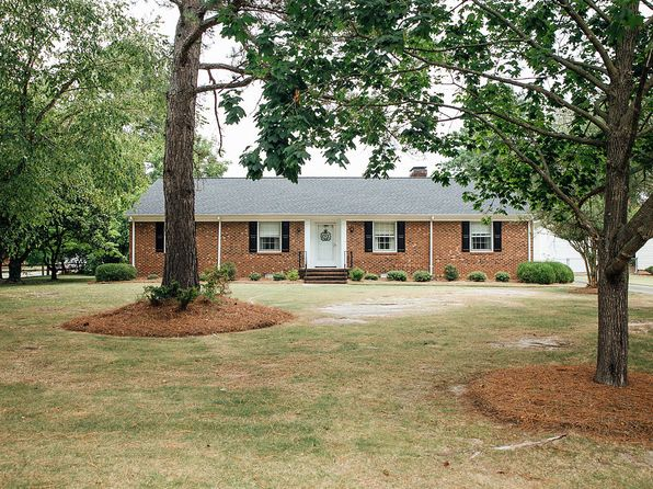 3 bed 2 bath Single Family at 2600 Pineneedles Rd Goldsboro, NC, 27534 is for sale at 175k - 1 of 29