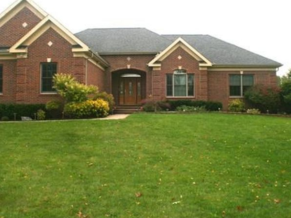 3 bed 3.5 bath Single Family at 3867 Foxthorn Ct Milford, MI, 48381 is for sale at 450k - 1 of 36