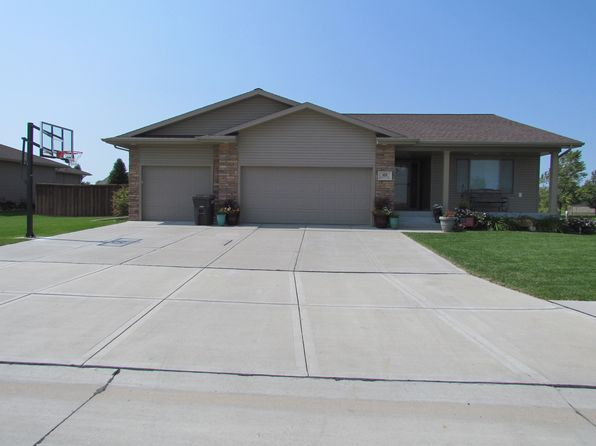 5 bed 3 bath Single Family at 102 E Christopher Cir Doniphan, NE, 68832 is for sale at 292k - 1 of 18