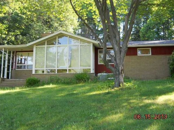 3 bed 3 bath Single Family at 1555 Montgomery Rd Allison Park, PA, 15101 is for sale at 300k - 1 of 35