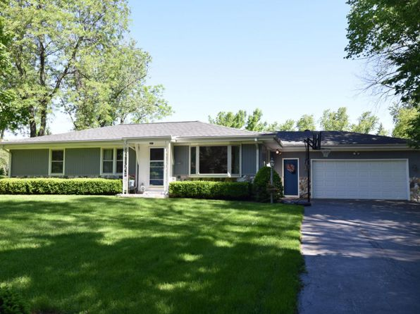 4 bed 2 bath Single Family at 16560 La Vela Circle Lower Brookfield, WI, 53005 is for sale at 235k - 1 of 25