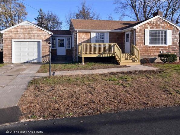 3 bed 1.5 bath Single Family at 52 Elder Ave Riverside, RI, 02915 is for sale at 250k - 1 of 25