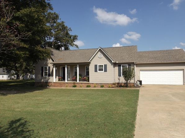 3 bed 2 bath Single Family at 53 Oakmont Cv Bells, TN, 38006 is for sale at 170k - 1 of 34