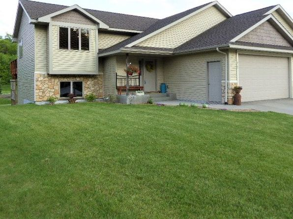 3 bed 2 bath Single Family at 312 Glenmeadow St River Falls, WI, 54022 is for sale at 263k - 1 of 23