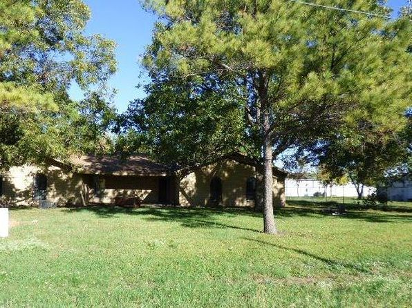3 bed 2 bath Single Family at 108 BROOKSHIRE ST POWELL, TX, 75153 is for sale at 53k - 1 of 9