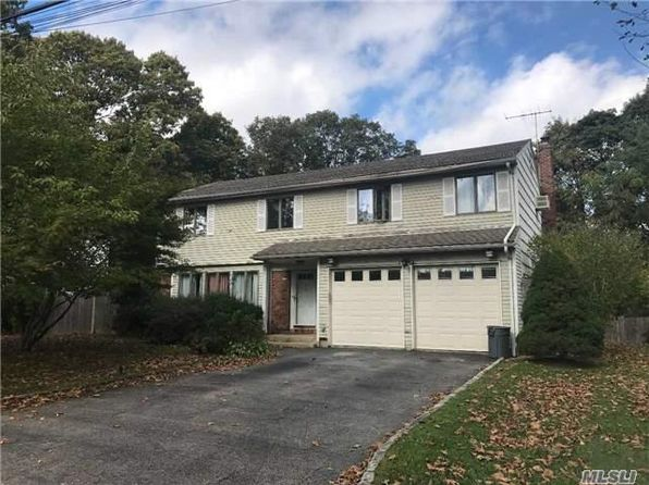 4 bed 3 bath Single Family at 9 BROMPTON PL HUNTINGTON STATION, NY, 11746 is for sale at 380k - 1 of 6