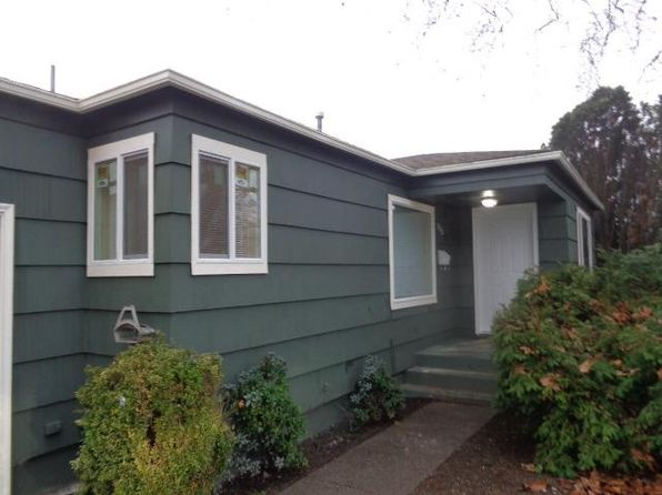 2 bed 1 bath Single Family at 915 NEWTOWN ST MEDFORD, OR, 97501 is for sale at 219k - 1 of 23