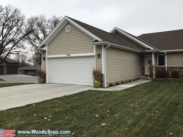 3 bed 2.75 bath Condo at 724 W Walnut St York, NE, 68467 is for sale at 220k - 1 of 18