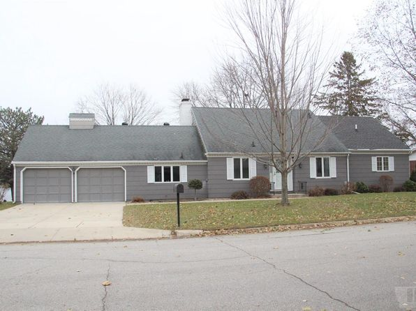 3 bed 3 bath Single Family at 224 Lakeview Dr Mason City, IA, 50401 is for sale at 279k - 1 of 16