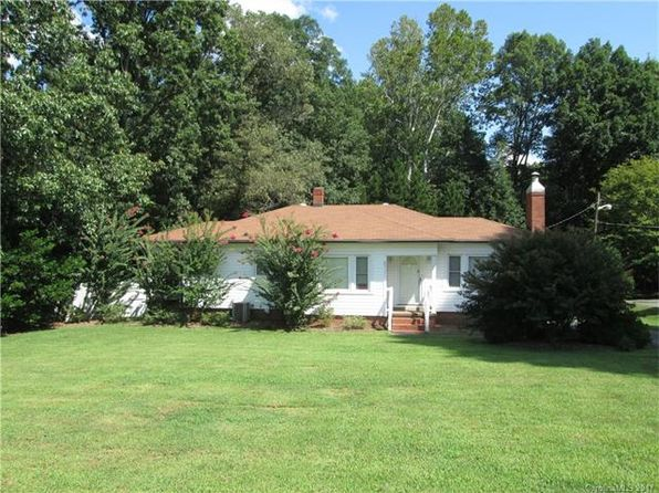3 bed 2 bath Single Family at 3070 N Cannon Blvd Kannapolis, NC, 28083 is for sale at 299k - 1 of 3