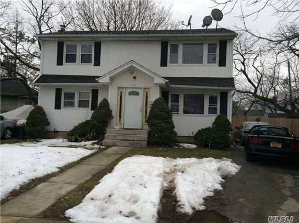 4 bed 2 bath Single Family at Undisclosed Address Seaford, NY, 11783 is for sale at 379k - google static map