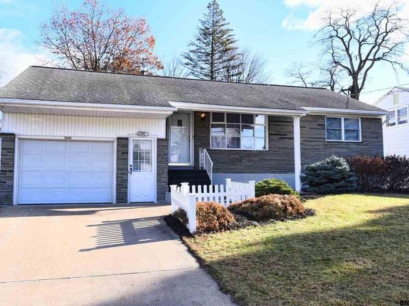 4 bed 2 bath Single Family at 2090 Rensselaer Ave Schenectady, NY, 12303 is for sale at 200k - 1 of 19