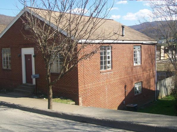 1 bed 1 bath Single Family at 70 Main St Richwood, WV, 26261 is for sale at 29k - 1 of 4
