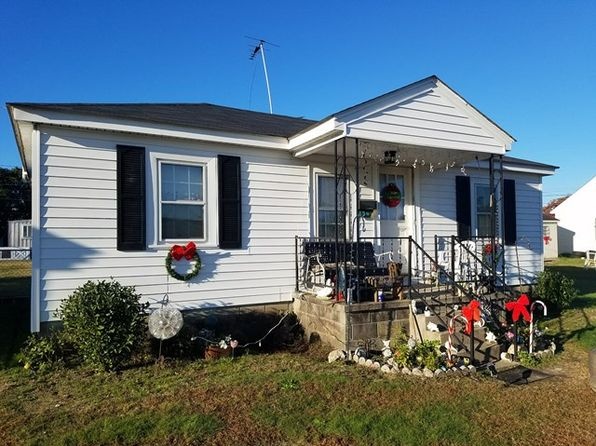 2 bed 1 bath Single Family at 1305 Pruden St Roanoke Rapids, NC, 27870 is for sale at 48k - 1 of 12