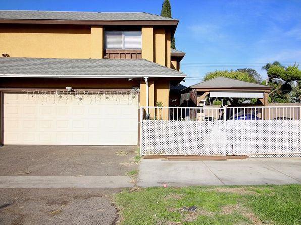 3 bed 3 bath Townhouse at 2117 W Edinger Ave Santa Ana, CA, 92704 is for sale at 390k - 1 of 19