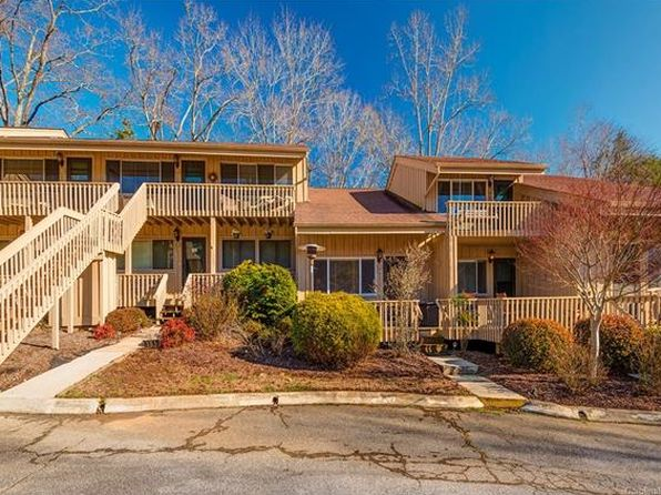 2 bed 3 bath Townhouse at 140 Westlake Dr Lake Lure, NC, 28746 is for sale at 179k - 1 of 27