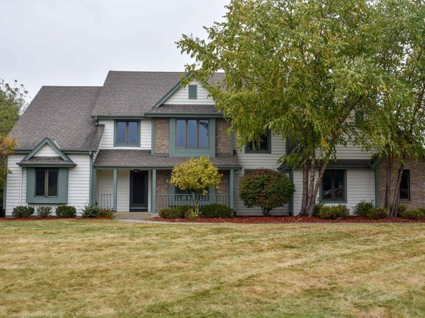 4 bed 5 bath Single Family at N18W29582 Crooked Creek Rd Pewaukee, WI, 53072 is for sale at 525k - 1 of 25