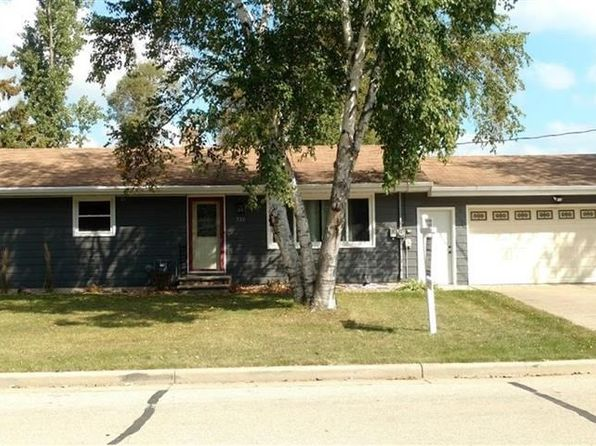 3 bed 2 bath Single Family at 326 Lakeview Ave Hortonville, WI, 54944 is for sale at 165k - 1 of 25