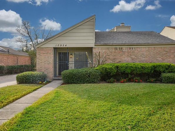 3 bed 3 bath Single Family at 10924 Julie Ln Houston, TX, 77042 is for sale at 296k - 1 of 49
