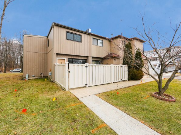 2 bed 2 bath Single Family at 71 SURFSIDE PLZ STATEN ISLAND, NY, 10307 is for sale at 395k - 1 of 16