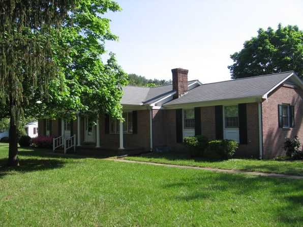 4 bed 3 bath Single Family at 66 Wakefield St Montross, VA, 22520 is for sale at 249k - 1 of 12