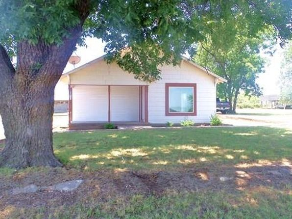 3 bed 1 bath Single Family at 2007 N Broadway St Ballinger, TX, 76821 is for sale at 105k - 1 of 17