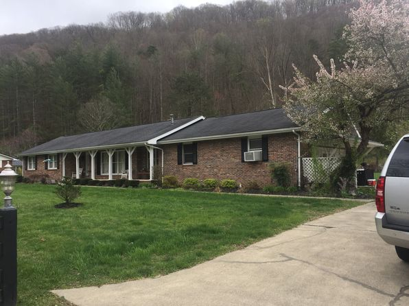3 bed 3 bath Single Family at 4706 Ky Route 114 Prestonsburg, KY, 41653 is for sale at 395k - 1 of 7