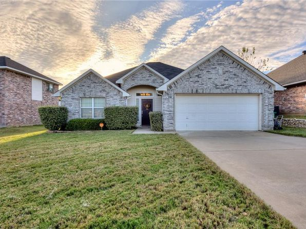 3 bed 2 bath Single Family at 909 Chase Ln Denton, TX, 76209 is for sale at 200k - 1 of 25