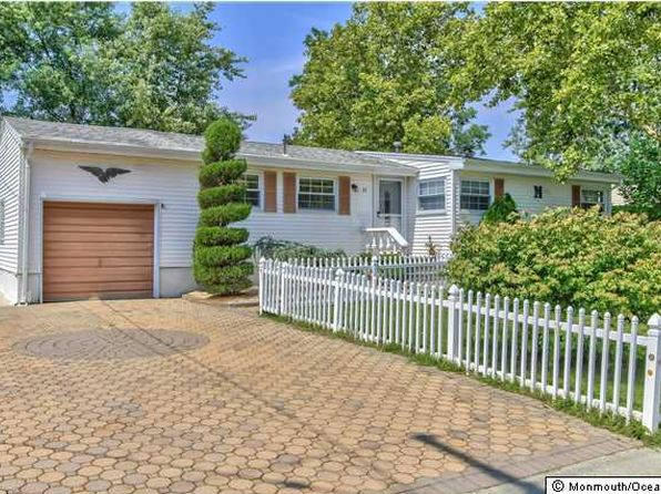 3 bed 2 bath Single Family at 11 Fleetwood Dr Hazlet, NJ, 07730 is for sale at 365k - 1 of 23