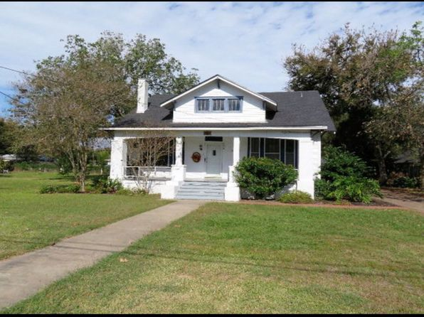3 bed 2 bath Single Family at 724 E Pearl St Goliad, TX, 77963 is for sale at 140k - 1 of 17