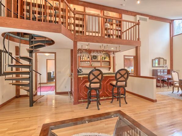 5 bed 4 bath Single Family at 29 PINE RIDGE RD STOW, MA, 01775 is for sale at 950k - 1 of 32