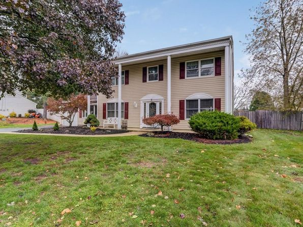 4 bed 3 bath Single Family at 9 Thoreau Dr Manalapan, NJ, 07726 is for sale at 475k - 1 of 38