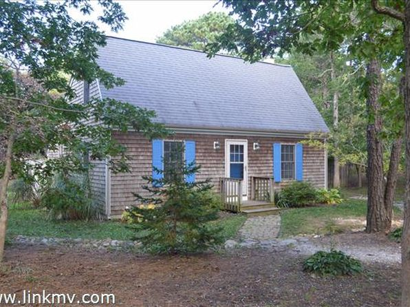 3 bed 2 bath Single Family at 11 Farm Path Rd Oak Bluffs, MA, 02557 is for sale at 668k - 1 of 17