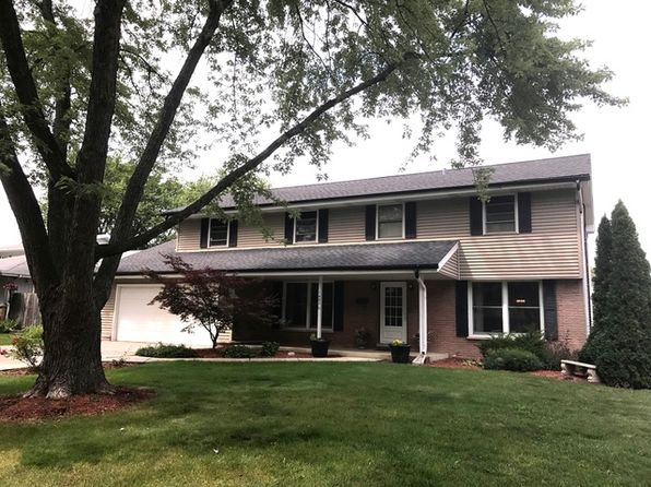 4 bed 3 bath Single Family at 1402 E Cedar Ln Mount Prospect, IL, 60056 is for sale at 440k - 1 of 29