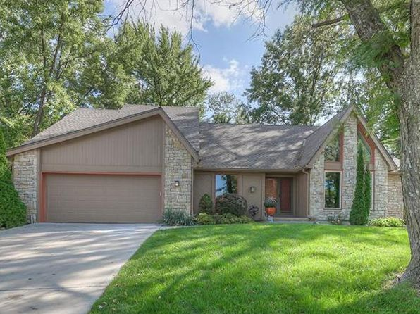 4 bed 5 bath Single Family at 7627 Richards Dr Shawnee, KS, 66216 is for sale at 335k - 1 of 25