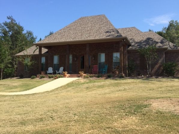 3 bed 4 bath Single Family at 111 Saddle Ridge Dr Florence, MS, 39073 is for sale at 370k - 1 of 21