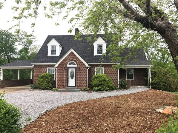 3 bed 2 bath Single Family at 4216 Boone Trl Millers Creek, NC, 28651 is for sale at 119k - 1 of 17
