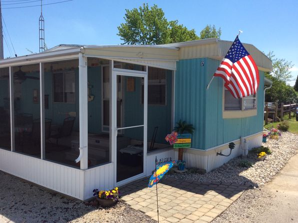2 bed 2 bath Mobile / Manufactured at 5640 E Twinbeach Rd Port Clinton, OH, 43452 is for sale at 60k - 1 of 8