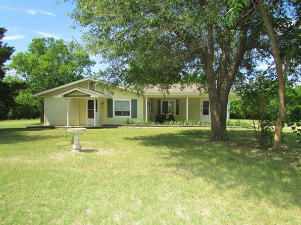 3 bed 2 bath Single Family at 450 County Road 4545 Trenton, TX, 75490 is for sale at 107k - 1 of 27