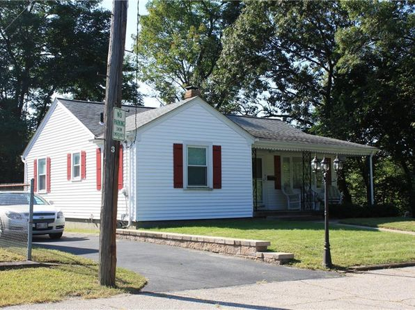 2 bed 1 bath Single Family at 9 Willern St North Providence, RI, 02911 is for sale at 200k - 1 of 18